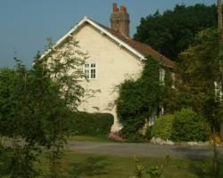 Claxton Hall Cottage B&B