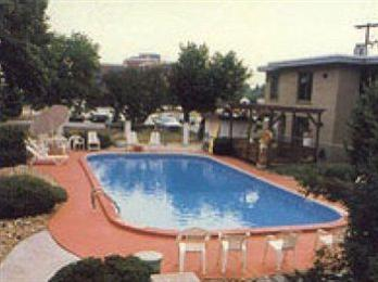 Photo of Towne & Country Motel Windsor