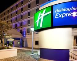 ‪Holiday Inn Express Downtown Richmond‬