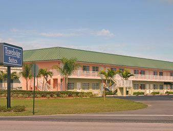 Photo of Travelodge Suites Okeechobee