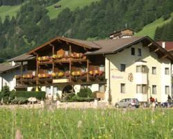 Photo of Hotel Maximilian Neustift im Stubaital