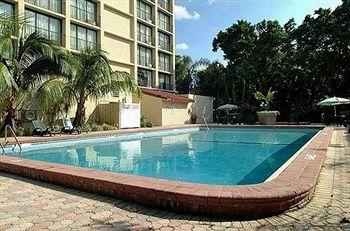 Photo of Holidays Golden Glades Boutique Hotel North Miami