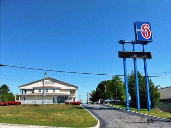 Motel 6 Commerce, GA