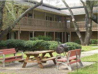 Granbury Inn & Suites