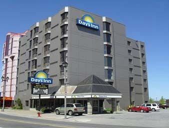 Days Inn Near The Falls