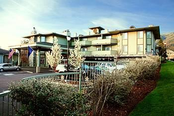 Photo of Plaza Inn Suites Ashland Creek Aberdeen