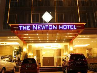 The Newton Hotel