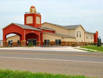 Photo of Days Inn & Suites Groesbeck