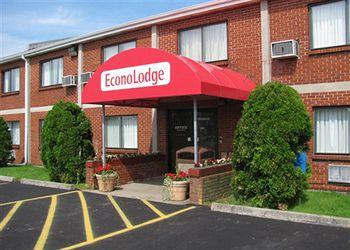‪Econo Lodge Darien Lakes‬