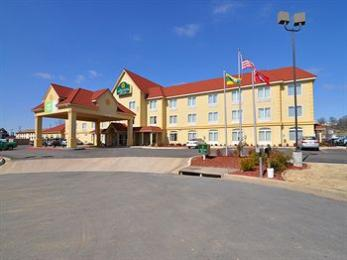 La Quinta Inn & Suites Russellville