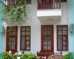 Gul Rose Pension