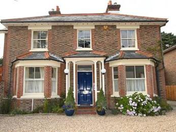Gatwick Grove Guest House