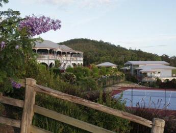 Jacaranda Creek Farmstay and B&B