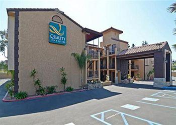 Quality Inn and Suites Near the Border