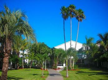Photo of Beachcomber Beach Resort & Hotel Saint Pete Beach