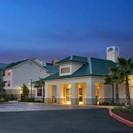Homewood Suites by Hilton Sacramento Airport - Natomas