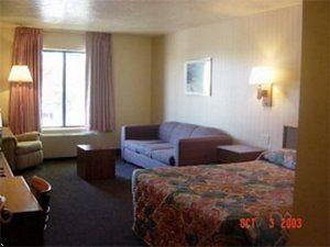 ‪Guesthouse Inn & Suites‬