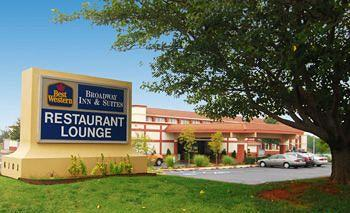 BEST WESTERN PLUS Broadway Inn & Suites