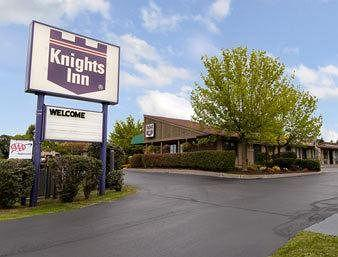 ‪Knights Inn Syracuse / Liverpool‬