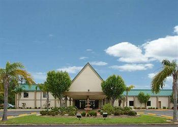 Econo Lodge & Suites Orange