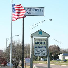 Photo of The University Inn Cedar Falls
