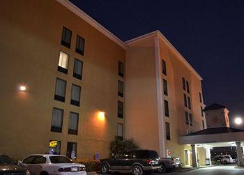 Jackson Hotel and Suites