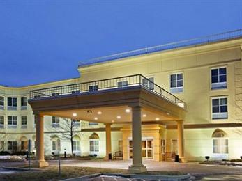 Photo of La Quinta Inn & Suites Chicago North Shore Bannockburn