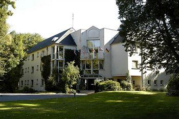 Photo of Orleans Parc Hotel La Chapelle-Saint-Mesmin