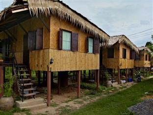 Ayutthaya River Hut