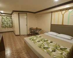 Pinoy Pamilya Hotel