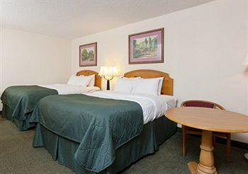 Clarion Inn & Suites Murfreesboro