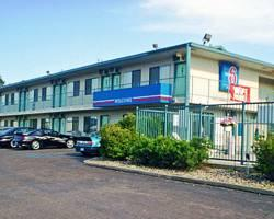 Motel 6 Bismarck