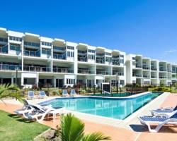 Beachside Magnetic Harbour Holiday Apartments