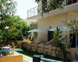 Alexandros Studios & Apartments