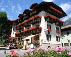 Photo of Hotel Collini Pinzolo