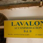 Lavalon Hostel & Bar