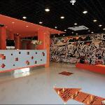 Photo de Pod Inn Hangzhou Wensan Road Yigao Shuma Square