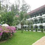 South Pacific International Hotel resmi