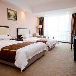 Newport International Hotel resmi