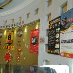 Super 8 Baoding Railway Station resmi