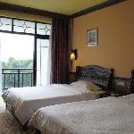 Yangshuo River Valley Resort Hotel