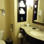 Photo de Holiday Inn Express Hotel & Suites Atascadero