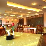 Foto de GreenTree Inn Yantai Airport Road Business Hotel