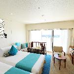 high floor beach view twin bed