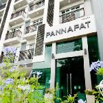 Photo de Pannapat Place Service Apartments