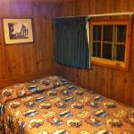 Photo de Old Faithful Lodge Cabins