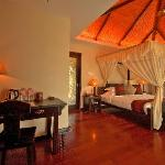 Yalong Bay Villas & Spa resmi