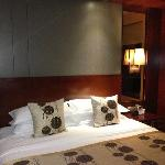 Golden Eagle Summit Hotel의 사진