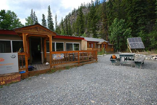 ‪HI Rampart Creek Wilderness Hostel‬