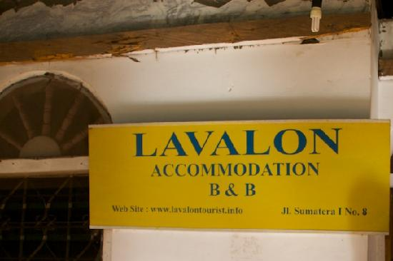 ‪Lavalon Hostel & Bar‬